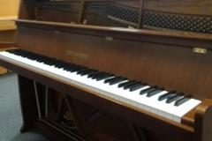 markowe pianino Grotrian Steinweg - idealne do małego pokoju